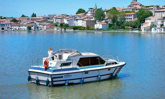 Enjoy Your Boating Vacation In Nivernais, France On A 31' Tamaris Boat