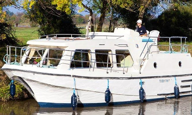"Enjoy a Little Brittany Short Break Cruise on a 29ft ""Sheba"" Canal Boat"