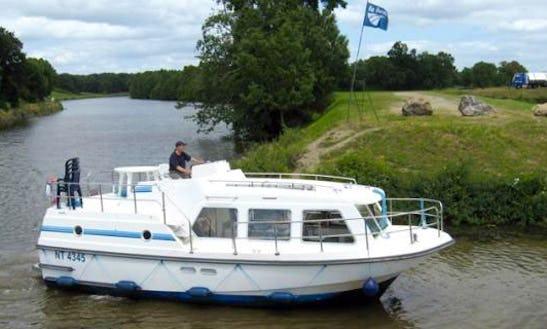 Fantastic Boating Experienece In Camargue, France On A Sheba Boat