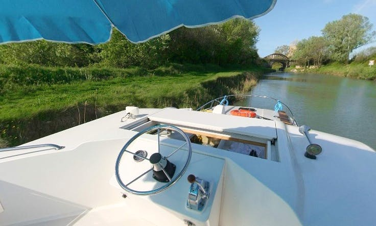 Explore the Awesome River Charente in France on 39' Canal Boat