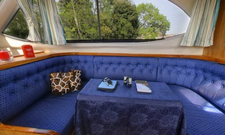 The Renaissance Cruise | 33' Canal Boat for 6 Person in Nivernais, France