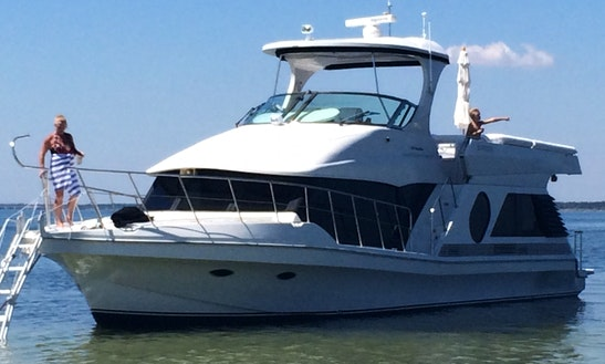 Motor Yacht Sleep Aboard Rental In Gulf Breeze No Need For Hotel