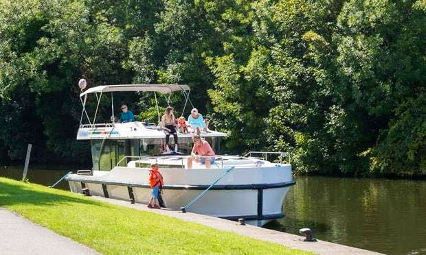 The Victorian Short Break Boat Cruise | 44' Canal Boat in Ontario, Canada
