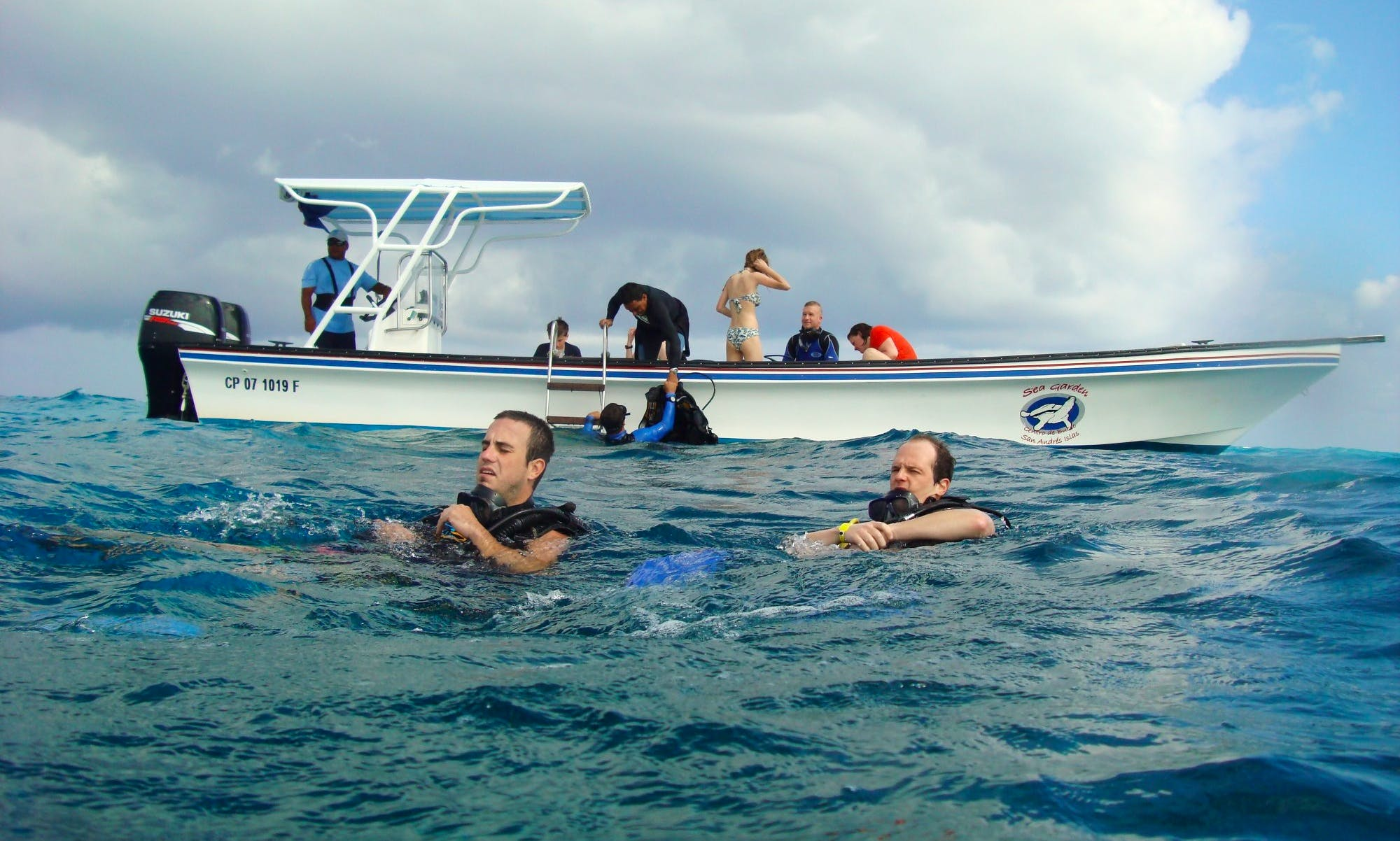 Amazing Opportunity to explore underwater world in San Andrés y Providencia, Colombia