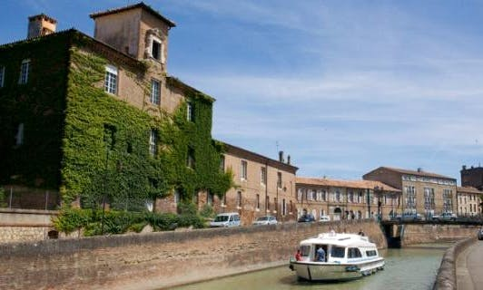 Luxury 47' Canal Boat for 10 Person   The Arts and Armagnac Long Break Cruise