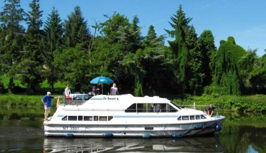 Discover The Natural Beauty Of Aquitaine, France On This Canal Boat