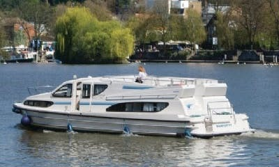 Best Boating Vacation in Burgundy, France