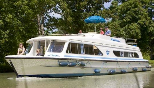 Canal Boat Cruise Trip  For 4 Person In Nivernais, France | The Chablis Long Break Cruise