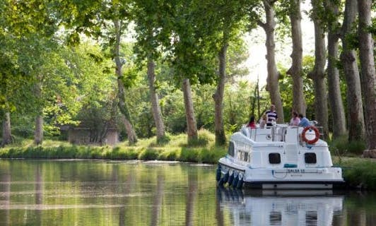 The Classic Midi Cruise for 4 Person Aboard 29' Canal Boat in France