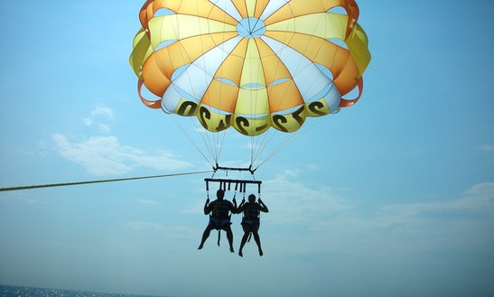 Experience The Adventerous Parasailing In Antalya, Turkey