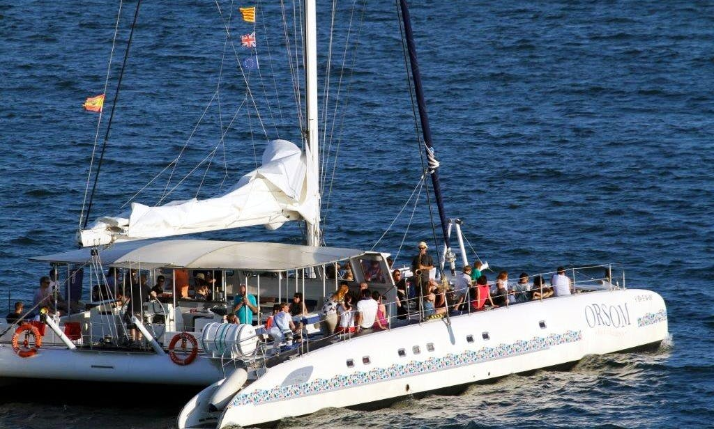 PUBLIC CRUISES IN CATAMARAN for Sightseeing in Barcelona