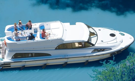 Amazing Canal Boat For 6 Person  Canal Boat Rental In Burgundy, France