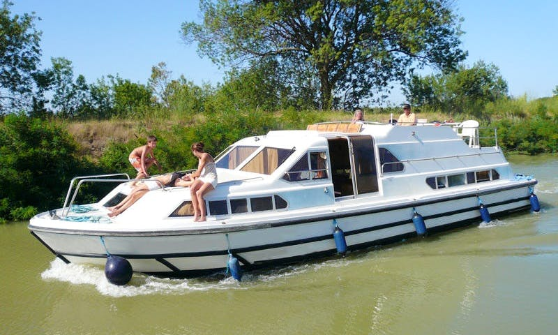 Rent a 42' Canal Boat for 6 Persons in Alsace-Lorraine, France