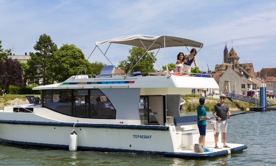 37' Canal Boat For 4 People To Cruise On Canal Du Midi Waterways In France