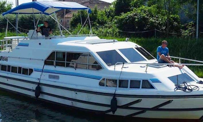 Enjoy Nivernais & Loire Canal Cruise
