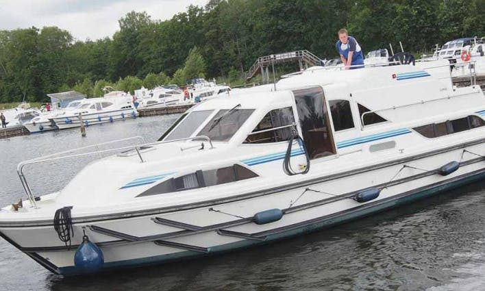Ideal Boat Cruise in Loire-Valley, France for 6 person