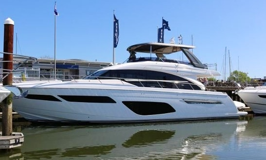 Best Princess 70 Flybridge  Yacht