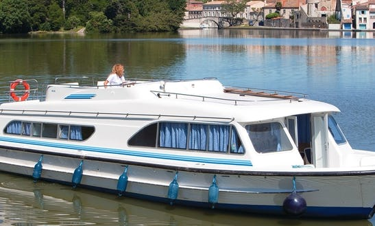 Hire This Amazing 47' Canal Boat For 12 Persons In Burgundy, France