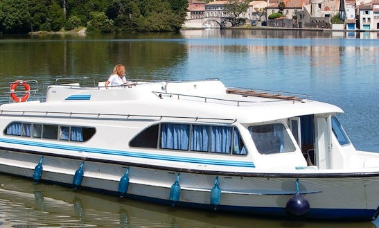 Hire A 49' Canal Boat For 10 People In Burgundy, France