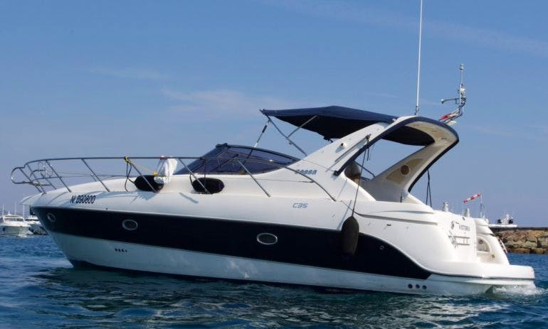 35ft Sessa Marine C35 Motor Yacht Charter In Vallauris, France