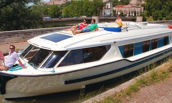 Hire A 49 Ft Canal Boat For 6 Persons In Muritz, Germany