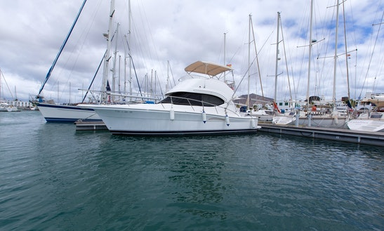 Motor Yacht Rental In Playa Blanca