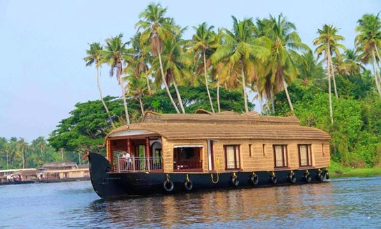 Two Bedroom Houseboat For 2 Person Available To Rent In Aryad South, Kerala