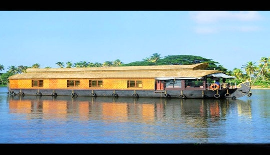 Unique Houseboat Experience In Aryad South, India