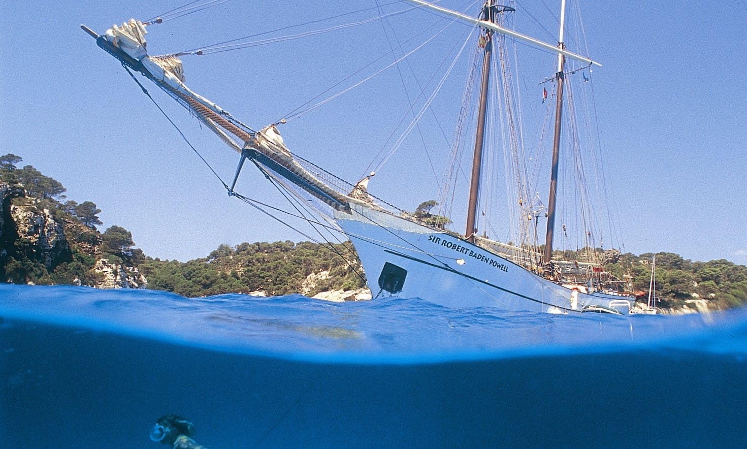 Diving at the Côte d´azur on bord of the Sir Robert Baden Powell
