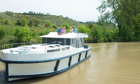 Charter A 43 Ft Canal Boat For 8 Adults In Portumna, Ireland