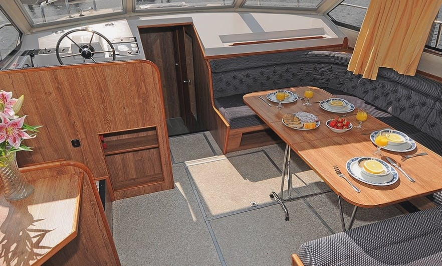 Rent a Comfortable 42' Canal Boat In Portumna, Ireland for 8 People