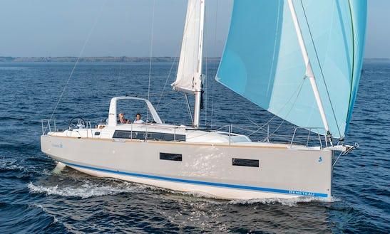 Bénéteau Oceanis 38 Cruiser Cruising Monohull Charter In Blanes, Spain For 10 People