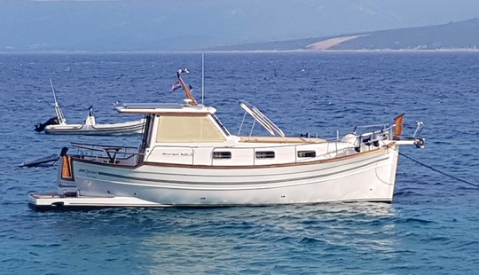 Motor Yacht Rental In Split, Croatia