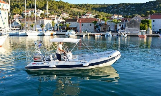 Hit The Water With Vailant V-620 Rib In Trogir, Croatia