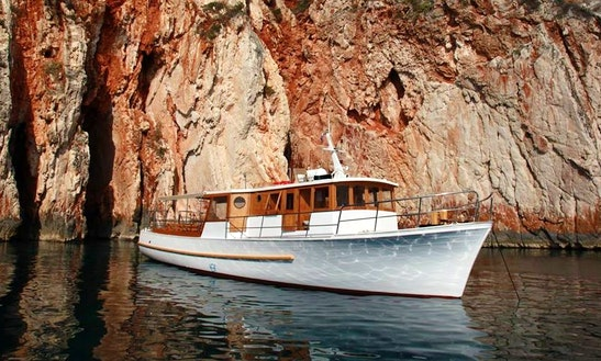 Discover The Scenery Of Hvar Island And Adriatic Sea On 56'