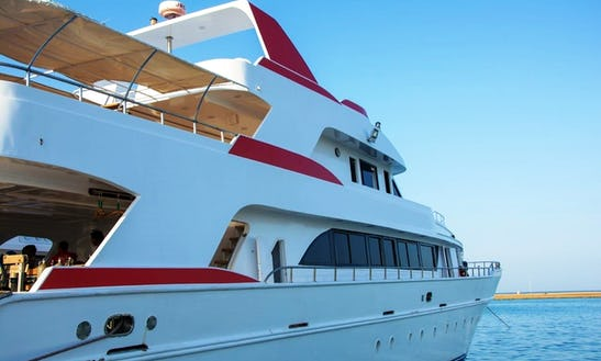 Motor Yacht Rental In Red Sea Governorate, Egypt