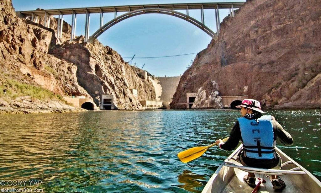 Canoeing on Lake Havasu