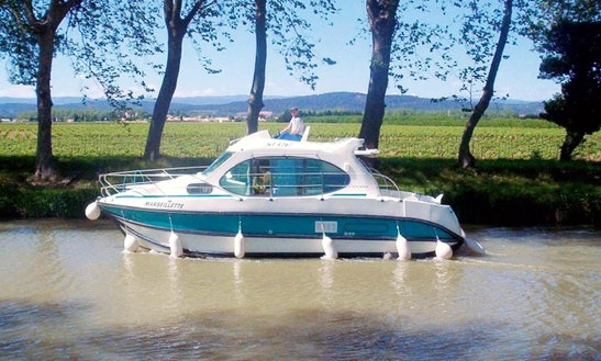 Hire A Canal Boat For 4 Person In Venarey-les-laumes, France