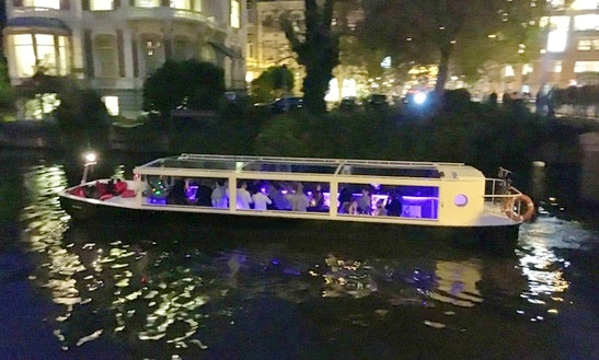 70 Person Private Lounge Canal Boat Hire In Amsterdam, Noord-holland