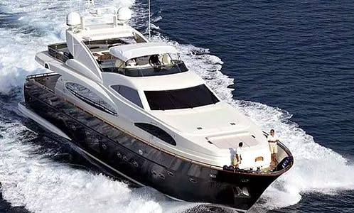 """Luxurious """"Blue Ocean"""" Power Mega Yacht to discover the beauty of the Chonburi, Thailand"""