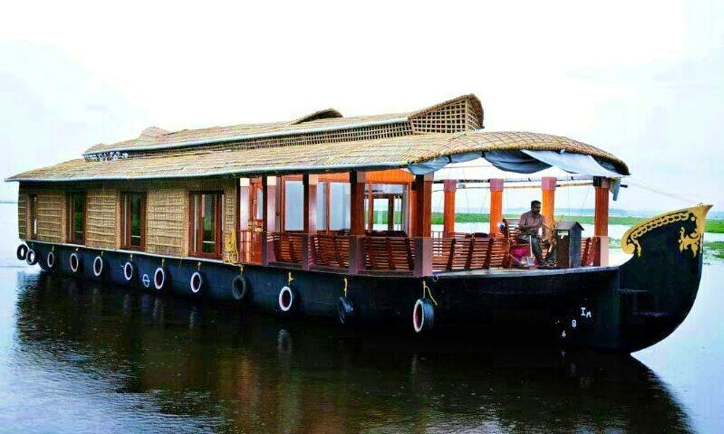 One Bedroom Houseboat  in Kumarakom