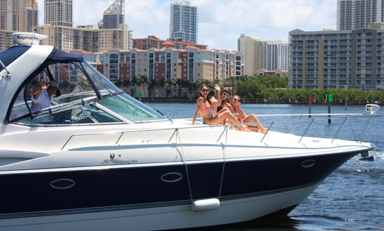 40 Feet Cruisers Motor Yacht Rental In Hallandale Beach, Fl (with Captain Only)