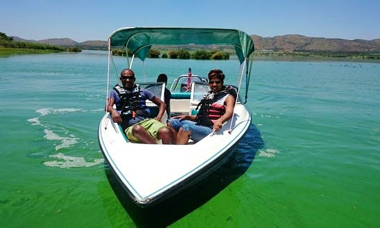 Have An Amazing Time In Hartbeespoort, South Africa On A Bowrider