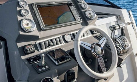 Triple Engine Azimut Luxury Yacht Charter with USCG Captain in Hamptons, New York