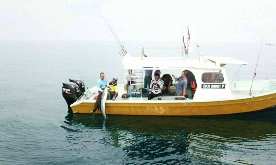 Cuddy Cabin fishing charter for 5 people in Pahang, Malaysia