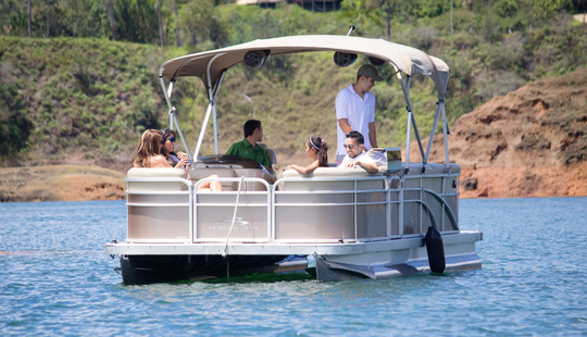 Pontoon Day Trip In Guatape, Colombia For 8 Person!