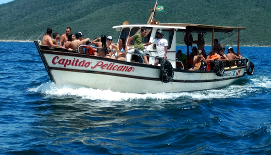 Rent An Amazing Trawler Boat In Arraial Do Cabo For 30 Person!