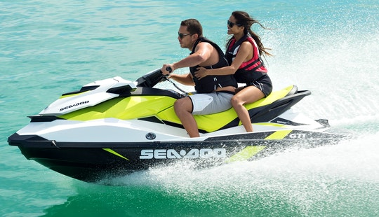Sea-doo Gti 900 Jet Ski Lessons In George Town, Cayman Islands