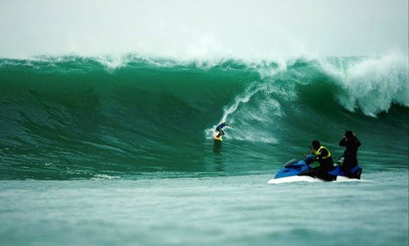 Take up a Surfing Lessons in Cape Town, South Africa!