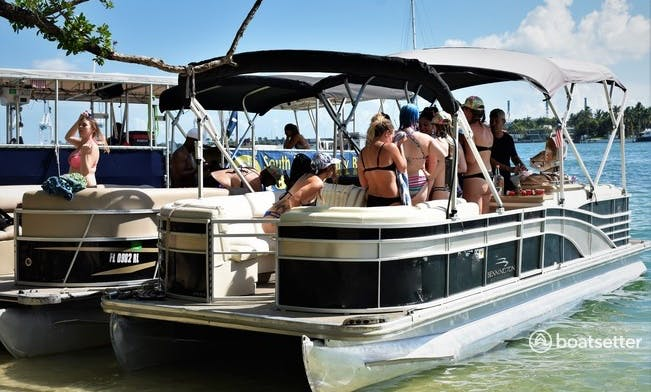 Pontoon Rental in Miami with watersports